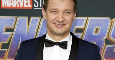 Industry News: 'And Just Like That', 'Hawkeye', 'A League Of Their Own' + More!